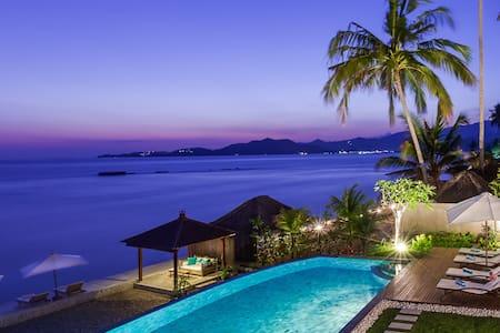 INDVNBA408 - Beachfront Luxury Villa - Manggis - Villa