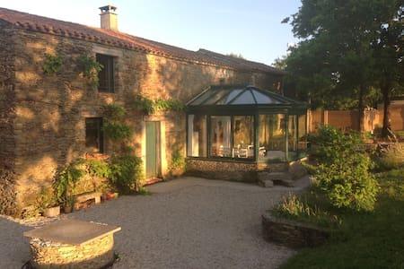 Maison de charme XVIIIe siècle - La Marne