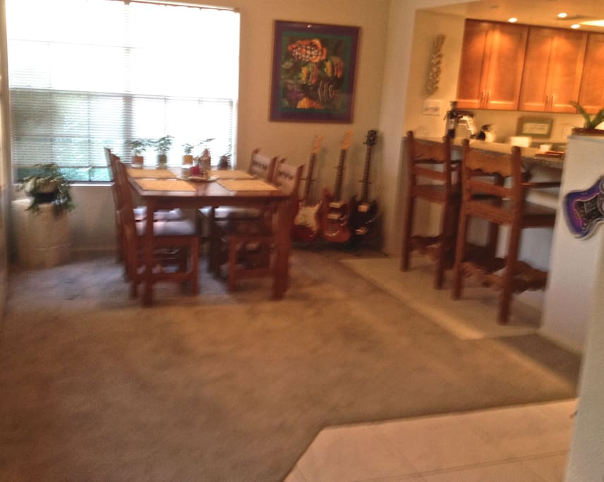 Comfortable & spacious dining area with tasteful Southwestern furnishings!