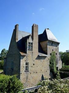 Une suite au chateau de Missé - Castle