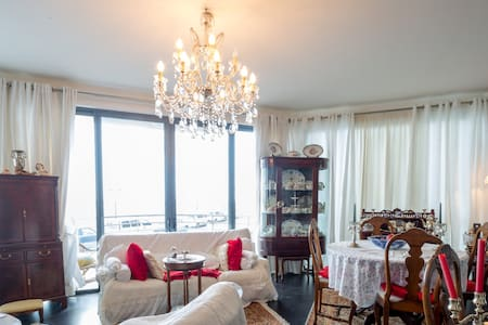 2 private rooms on Sliema Seafront - Apartment