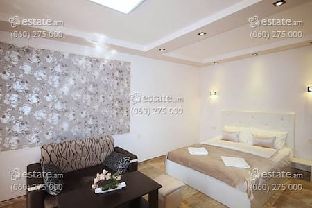 1 room apartment in Yerevan - Wohnung