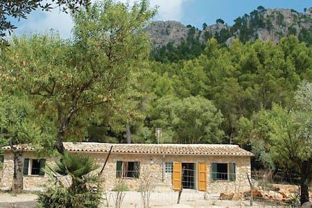 3 Bedrooms Home in Estellencs #1 - Casa