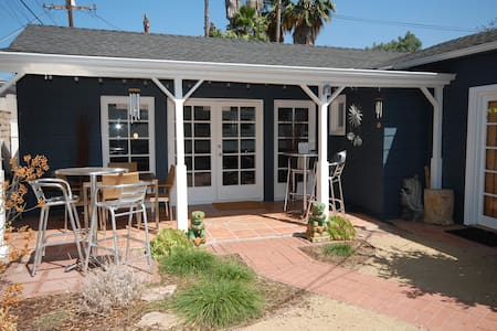 Private bungalow with serene outdoor space - Glendale - Bungalow
