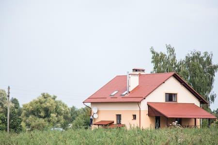Комната №1 в усадьбе Лесная Паулинка - Mlyny - Rumah