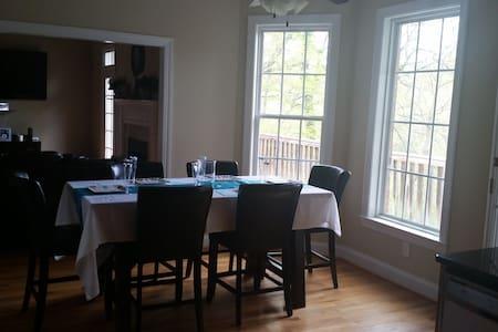 Custom build home over 3,000 sq ft - House