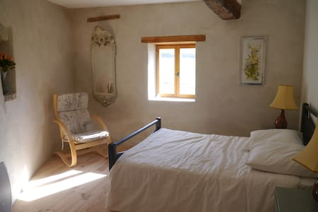 Newly Converted Barn with Pool - Quillan - Apartment