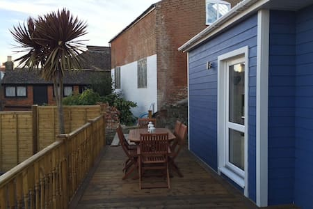 Seaside style cabin in central Cowes - Cowes