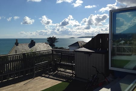 Coastal House 100m from the beach! - Downderry