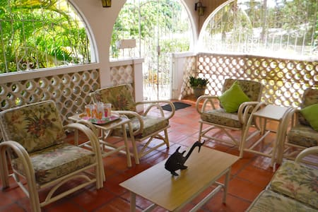 Captains Cottage 3BR Beautiful Villa! - Holetown