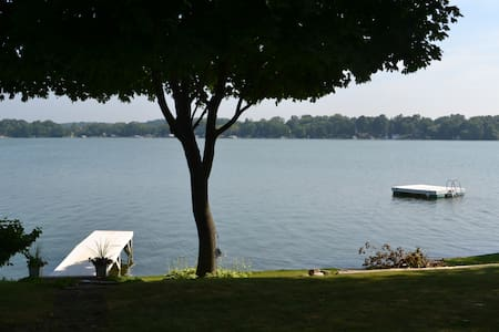 Us Open - Okauchee Lake Home W/ 210 Ft of Frontage - Oconomowoc - Haus