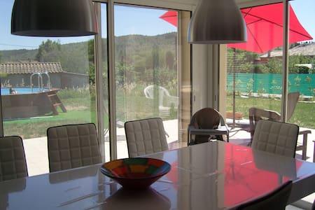 Villa tout confort avec piscine - Saint-Sernin - Hus