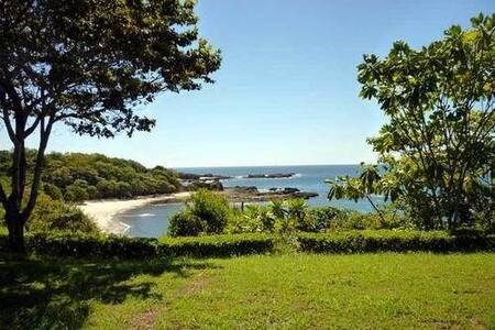 Windows at  the Sea - Bungalou