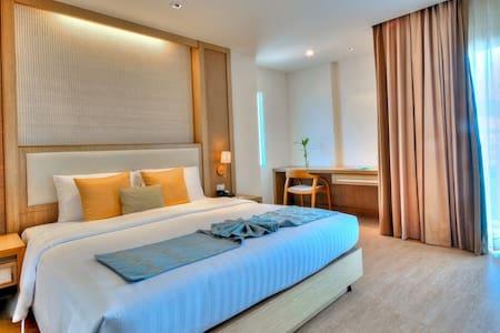 Ashlee Plaza, Patong Beach Phuket - 아파트