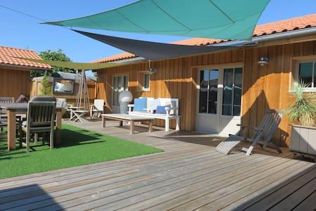 Villa bois de rêve! spacieuse! The place to come! - Biscarrosse - Villa