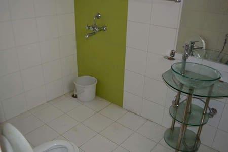 Pal Penthouse-Double occpancy rooms - Zirakpur - Wohnung
