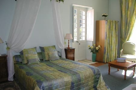 CHAMBRE VERTE - Bed & Breakfast
