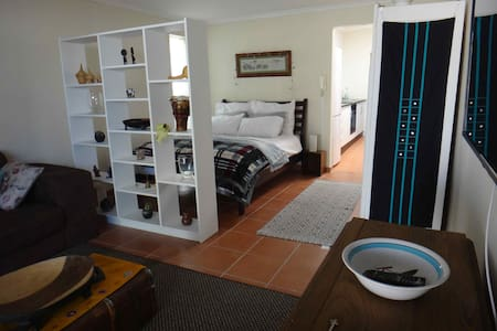 The Burrow in Trendy Melville - Johannesburg - Appartement