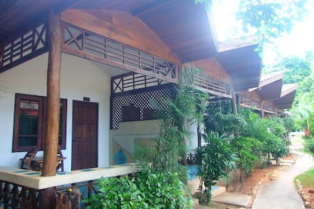 Private Air-Con, One King Bed, Room Only, Ao Nang - Guesthouse