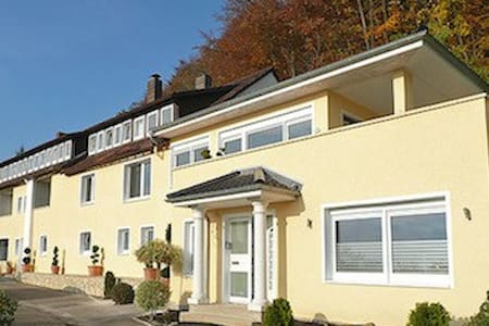 Großes Apartment in der Villa Joya Schaumburg - Guesthouse