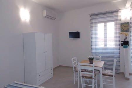 monolocale al centro di castelsardo - Castelsardo - Lägenhet