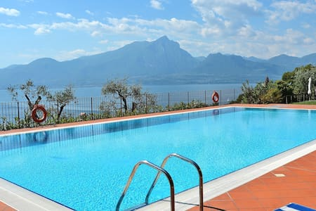 Apartment For 6 People With Pool And Lake Views - Appartement