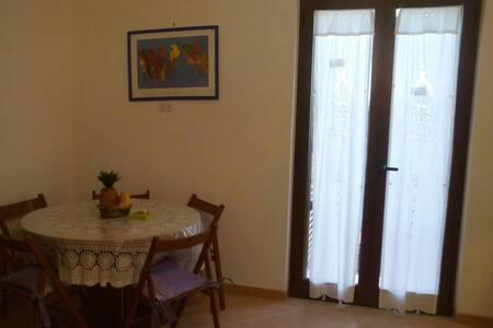 Accogliente e luminoso monolocale - Wohnung