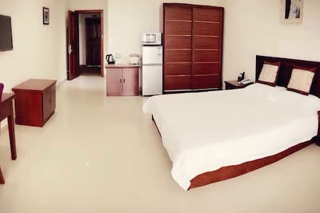 Seafly Green - King Size Bed Room - Honiara - Apartmen