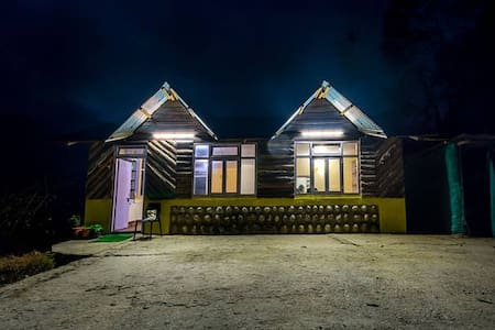 Mustard Seed Farm-Stay (Deluxe Hut) - Gangtok - Choza