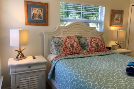 Barefoot Beach Resort B-106 poolside cottage - Indian Shores