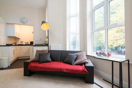 Cosy newly refurbished apartment - Lejlighed