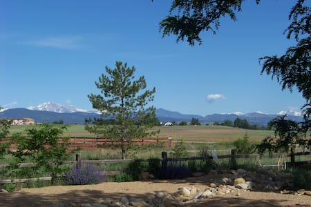 Country Setting Guest House 10 min from Boulder - Longmont - Chambres d'hôtes
