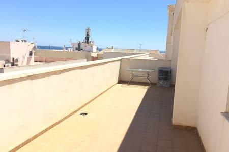 Ático con vistas junto al puerto - Wohnung