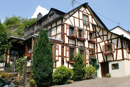 Haus Stahlberg Bed & Breakfast DZ2 - Bed & Breakfast