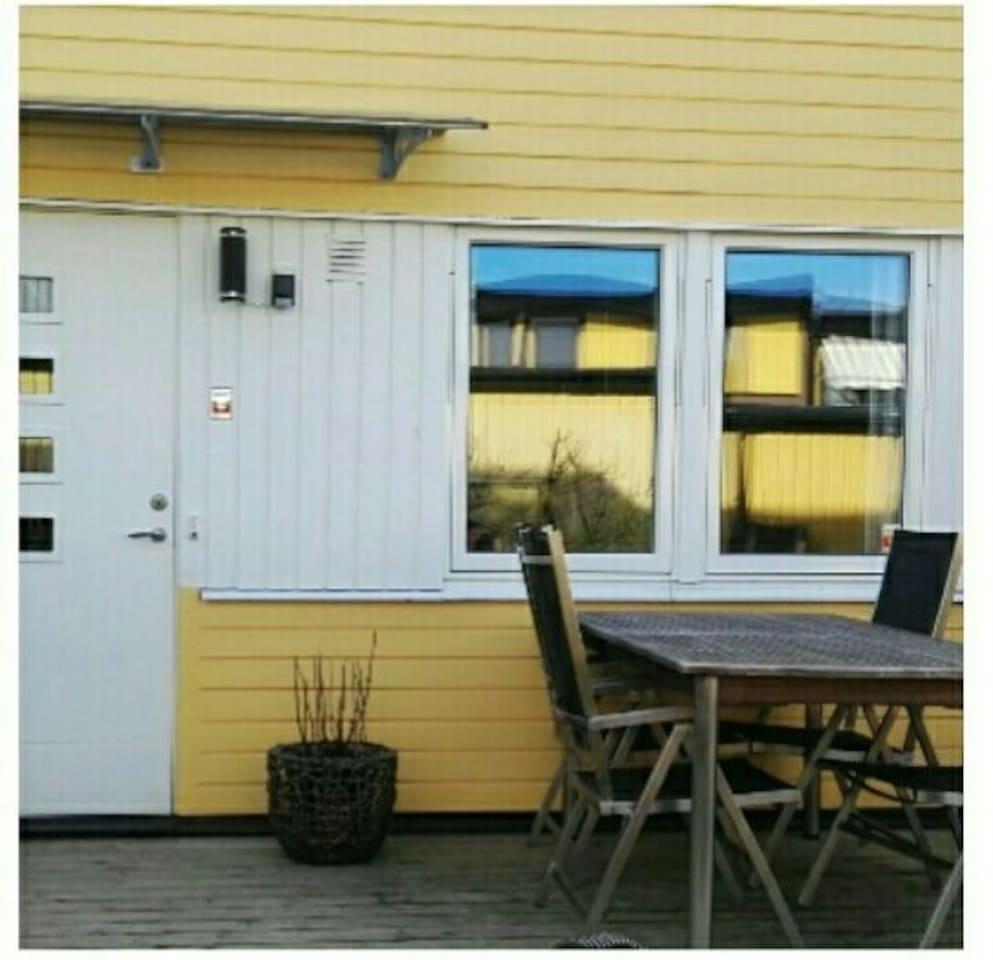 Radhus med härlig altan i söderläge - Houses for Rent in Göteborg