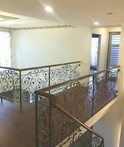 26F 頂樓美景套房,超大私人露台 - Lakás