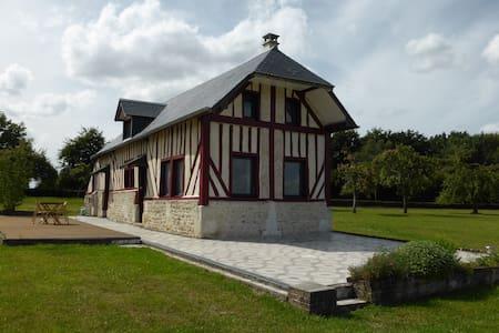 """Gite """"Fleurs de pommier"""" - Courtonne-la-Meurdrac - House"""