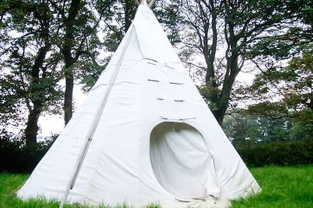 Tipi glamping experience. - Tipi