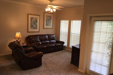 Convenient Suburban Apartment - Cedar Park - Appartement