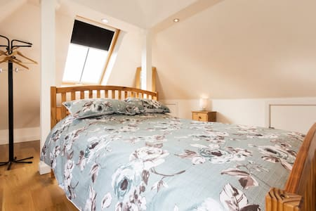 The Mews Loft Apartment @ No. 17 - Whitstable - Apartment