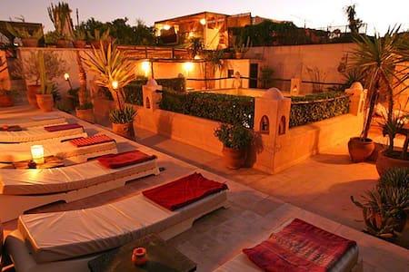 Belle chambre dans riad de charme. - Marrakech - Bed & Breakfast