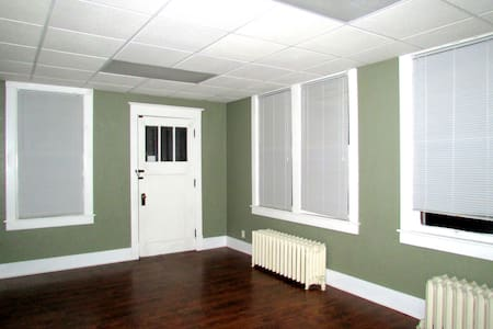 4 blocks from Washington Park - Springfield - Apartamento