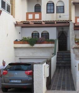 Charming Spanish town house - Estrella De Mar