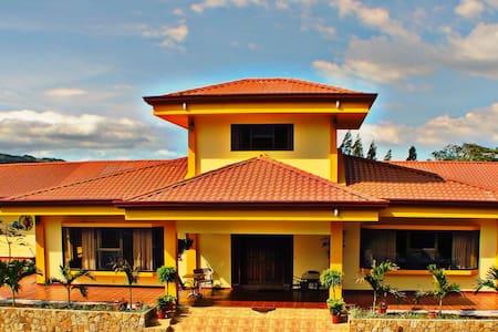 Luxury Villa in La Guaria - San Ramon - Villa