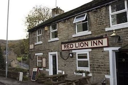 Red Lion Inn, Jackson Bridge - Bed & Breakfast