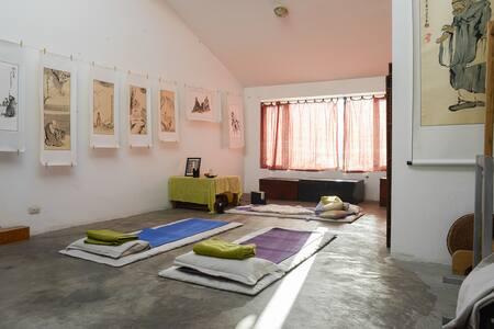 Old-Dali room in Yoga studio home - Dali - Casa