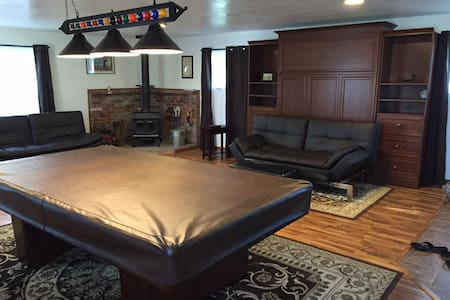 Studio Apartment with Pool Table - Clearlake - Apartment