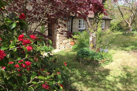 Charming old cottage with garden - Culmstock  - Casa