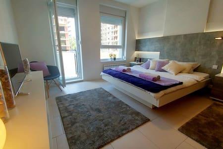 Luxury mediteraneo A blok SAVADA - Belgrad - Lägenhet