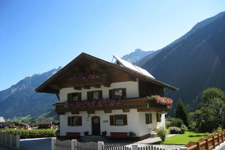 Ferienhaus Salchner für Familien + Gruppen ideal - Dům